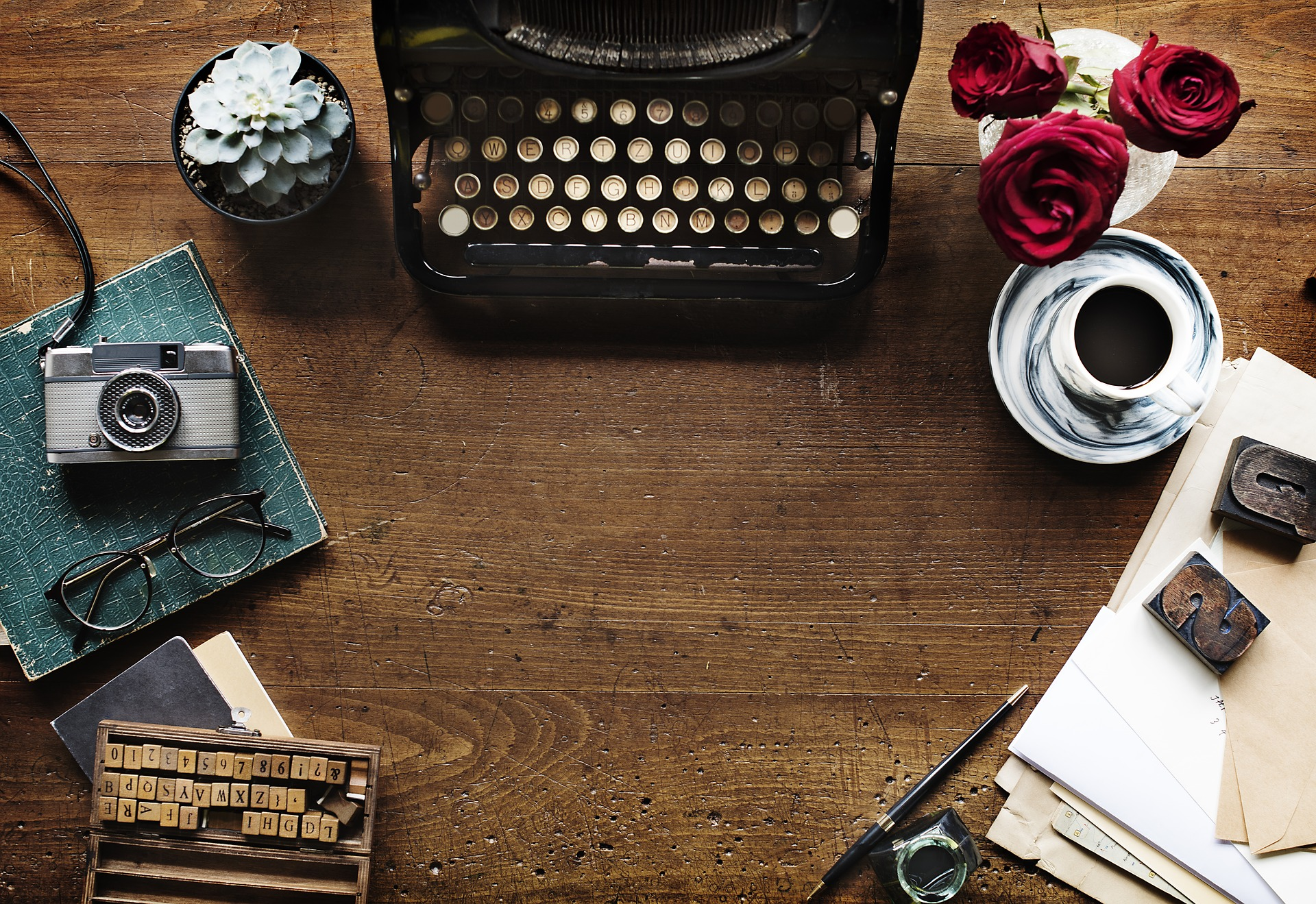 <a class=&quot;amazingslider-posttitle-link&quot; href=&quot;http://www.ahmagazin.com/muveszsarok/dorothy-king-a-boldogsag-fele/&quot; target=&quot;_self&quot;>Dorothy King: A boldogság felé</a>