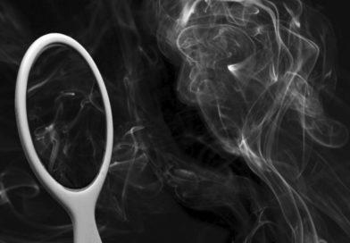 Neil Gaiman – Tükör és füst